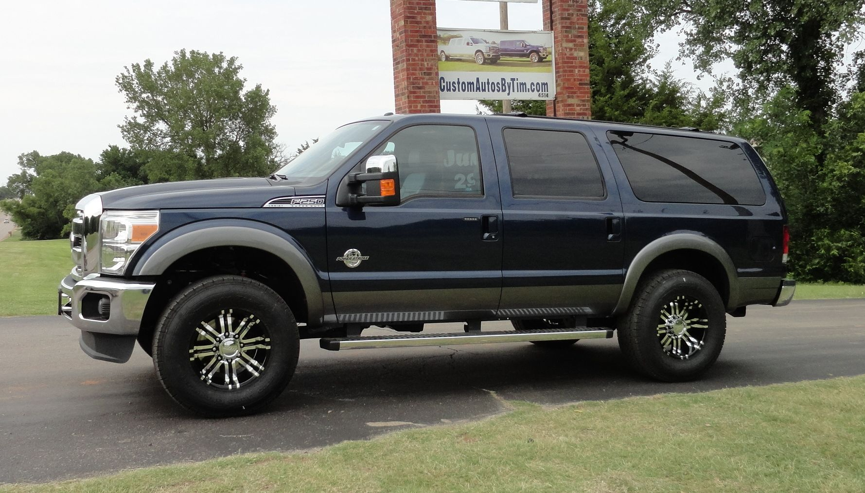 2015 Ford Excursion