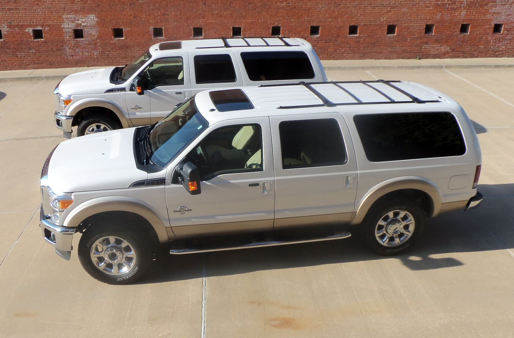 2011 Ford Excursionthe Twins